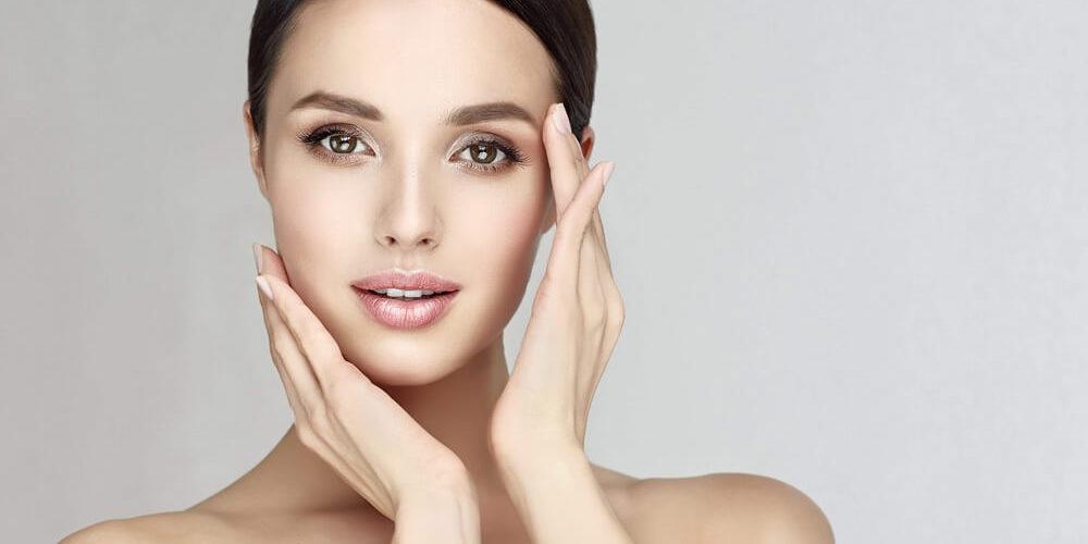 Cosmetica, un settore senza crisi: consigli per essere belli